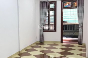 Cho thuê nhà phân lô Trần Đại Nghĩa - ĐH KTQD, 62m2 * 4T, ngõ to, nhà thiết kế tầng 1 thông sàn