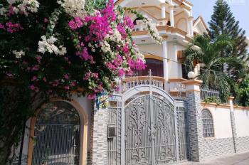 Bán biệt thự đường Lâm Văn Bền, quận 7, HXH ô tô tận sân, khu an ninh, 0918580380 giá tốt