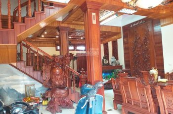 Bán nhà tại lô 28, Lê Hồng Phong, 105m2, ngang 7m, giá 13 tỷ, LH 0379045629