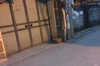 Hiếm, chính chủ cần bán gấp nhà ngõ 91 Hoa Lâm, ô tô đỗ cửa vào nhà, có sổ đỏ, LH: 0904498842