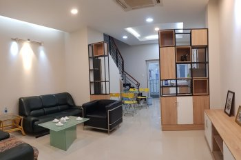 Chính chủ cần cho thuê nhà phố cao cấp nằm trong dự án Biệt Thự Park Riverisde. LH: 0975668181