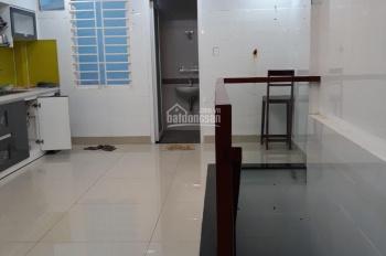 Nhà mới 4x26m, 6 lầu, thang máy, Phạm Hữu Lầu giao H. T. Phát, hiện tại đang có 9 phòng, 0935883633