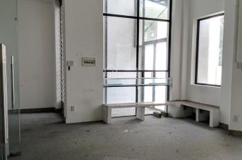 Cho thuê nhà ngang 8m hẻm xe hơi đường Hồng Hà - Khu sân bay. LH: 0906 693 900