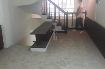 Cho thuê nhà mới phố Nguyễn Thái Học 40m2 x 3 tầng, giá 9 tr/th