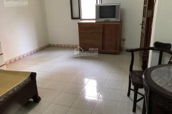 Cho thuê nhà 4 tầng, DT 58m2, phố Yên Lạc, Hai Bà Trưng. LH 0979300719