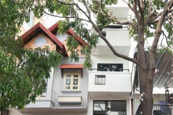 Chính chủ cần bán nhà MT đường Trường Sa mới xây, full nội thất, ở TT quận Phú Nhuận