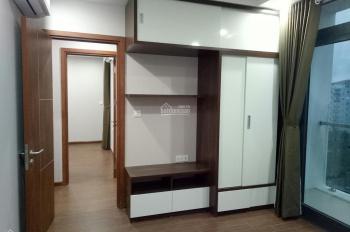 Cần cho thuê căn hộ C7 Giảng Võ, nội thất đẹp, 3pn, giá thuê: 14 triệu/th, LH: 0981630001