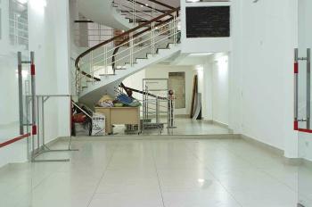 Nhà nguyên căn cho thuê kinh doanh 420m2. LH: 0905876128
