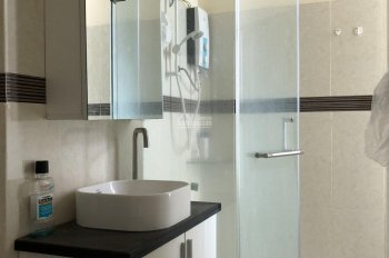 Bán căn hộ 128m2 chung cư Hoàng Anh Thanh Bình, đầy đủ nội thất, giá 3 tỷ. Liên hệ 0905 52 15 56