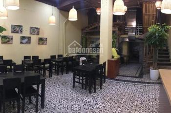Mình muốn sang nhượng quán bánh đa bề bề mặt phố Triệu Việt Vương, mặt tiền gần 7m, nhà thông sàn