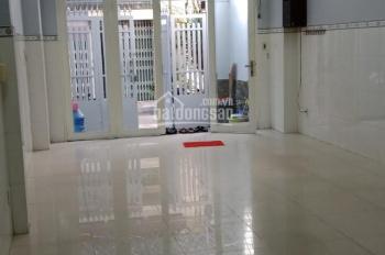 Cho thuê mặt bằng hẻm 60 Nguyễn Trãi quận 5, DT: 4m x 20m, nhà đẹp, có sân để xe