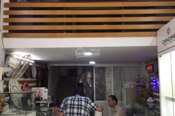 Cho thuê cửa hàng MP Nguyễn Hữu Huân, 22m2, lửng 10m2, MT 3.5m, giá 29tr/th