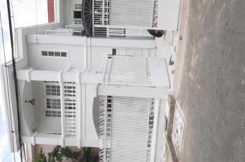 Cho thuê tầng trệt của biệt thự làm văn phòng trên đường Nơ Trang Long. LH 0909316797