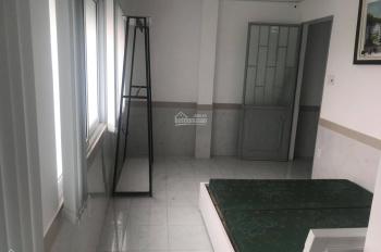 Phòng dịch vụ, có sẵn nội thất MT Phan Tây Hồ, ngay khu Phan Xích Long - giảm giá sốc