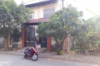 Bán biệt thự bên sông Sài Gòn 1 trệt 2 lầu, ngay mặt tiền đường 16, Hiệp Bình Chánh, Thủ Đức