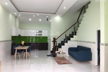 Cho thuê nhà 1 lầu, 3 phòng ngủ, giá rẻ 8tr/tháng, có sân xe hơi Kia Morning