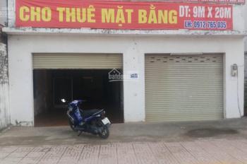 Bán nhà MT 888 Nguyễn Duy Trinh, Q2, DT: 9 x 20m = 180m2, giá: 30 tỷ