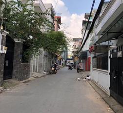 Kẹt tiền bán nhà hẻm xe hơi Hoàng Văn Thụ, Q. Tân Bình, DT: 4.7x21m nở hậu 5m, giá 10.5 tỷ