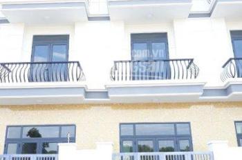 Cho thuê nhà 2 lầu mới xây, 4 phòng, có nội thất, giá chỉ 15tr/tháng, đường xe hơi rộng thoáng