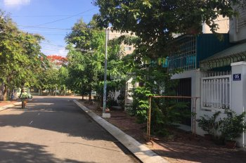 Bán khẩn cấp lô đất dự án Gò Cát 6 mặt tiền Lê Văn lương, TC 100%, giá 1,8 tỷ LH: 0896439456 Thành