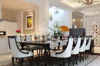 Cho thuê penthouse Vinhomes Central Park, Bình Thạnh, DT: 300m2, có sân vườn, giá: 113 triệu/tháng