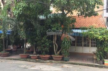 Bán biệt thự kiến trúc Pháp góc 2MT hẻm vip 368 đường Tân Sơn Nhì, P. Tân Sơn Nhì, Q. Tân Phú