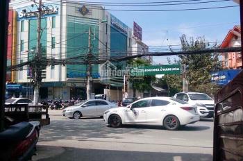 Cần bán nhà hẻm xe hơi đường Đỗ Xuân Hợp, Q9