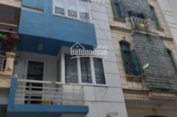 Cho thuê nhà ngõ 41 phố Phùng Chí Kiên, quận Cầu Giấy. DT 70m2 x 4.5 tầng, ngõ phân lô ô tô đi lại
