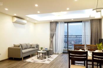 Hiện gia đình đang trống căn 2 và 3 phòng ngủ, căn hộ đầy đủ đồ khách thuê chỉ việc xách vali đến ở