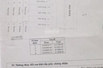 Bán biệt thự phố MTNB 18m Nguyễn Duy Trinh, Quận 2, hình thật 100%. DT: 5m x 20m, 1 hầm, 3 lầu,