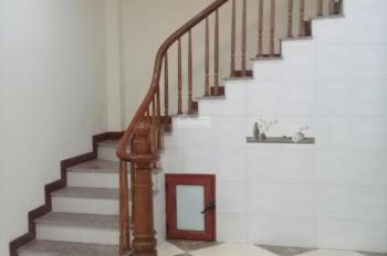 Tôi cần bán nhà 4 tầng 1 tum ngõ phố Kim Hoa-Đống Đa, mới cực đẹp, ngõ thoáng, giá 2.6 tỷ