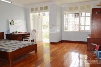 Cho thuê nhà cực đẹp ngõ Vạn Phúc, DT: 75m2 x 4 tầng, MT: 4m, full đồ, giá: 25tr/th, LH: 0339529298