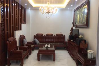 Chính chủ bán nhà tại Phường Ngọc Thuỵ xây dựng kiên cố, DT 89m2, 3 mặt thoáng. LH: 0971535555