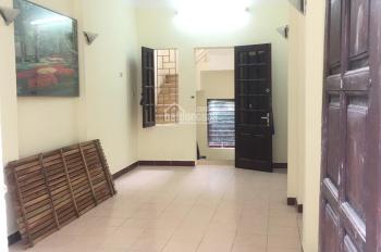 Tôi cần bán nhà mặt ngõ 18 Lương Yên, Đống Mác, Hai Bà Trưng, 30m2x4T, giá 2,6 tỷ, ô tô đỗ cửa.