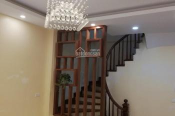 Bán nhà ngõ 86 Phan Kế Bính, thông sang Đội Cấn, Ba Đình, cách phố 30m, DT37m2x5T, Giá 4,3 tỷ
