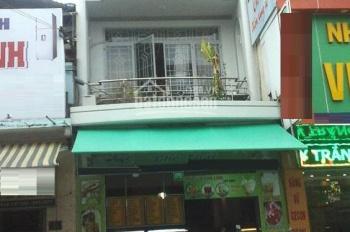 Nhà mặt tiền đường Đinh Tiên Hoàng khu này đông đúc muốn kinh doanh gì cũng được, Q. Bình Thạnh