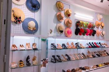 Sang shop giày dép thời trang nữ: Mặt tiền đường Cống Lở, phường 15, quận Tân Bình