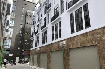 Bán nhà phố đường Tô Hiệu-Đối diện UBND quận Hà Đông-Có chỗ để oto, đường rộng 7m. LH: 0942288588
