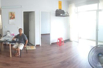 Bán chung cư Bình Khánh sổ hồng 66m2, full nội thất, 2,35 tỷ thương lượng