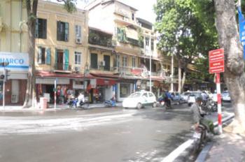 Cần cho thuê cửa hàng mặt phố Hàng Khay(DT: 55m2 - MT: 3,4m - Giá thuê: 90 triệu/ tháng)