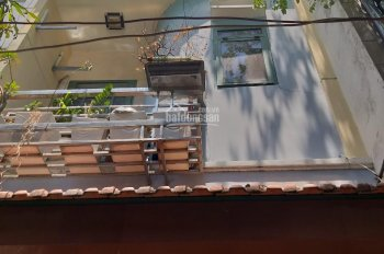 Bán nhà hẻm đẹp 1 trệt, 2 lầu Nguyễn Tiểu La, Q10, rất gần mặt đường. Giá bán 5.2 tỷ, LH 0909666122