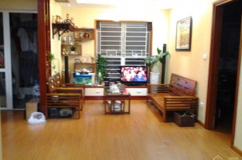Chính chủ bán gấp căn hộ chung cư CT7, DT 62m2 (căn góc)nhà full nội thất. LH 0984503246