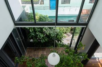 Cần bán nhà phố cực đẹp ngay góc đường Nguyễn Văn Luông Q6. DTSD 300m2, full nội thất cao cấp