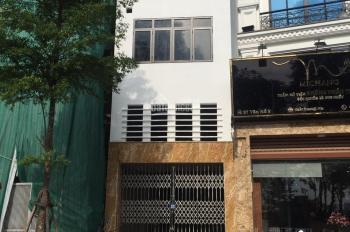 Cho thuê cửa hàng MP Vân Hồ, 65m2, lửng 10m2, giá 18 tr/th. LH: 083.630.9999