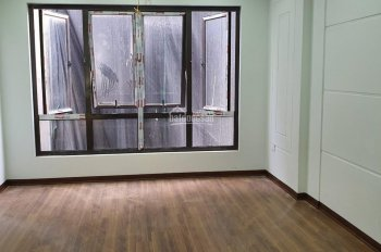 Bán nhà 5 tầng 35m2 Hoàng Hoa Thám, Ngọc Hà, Ba Đình vị trí đắc địa 3,7 tỷ