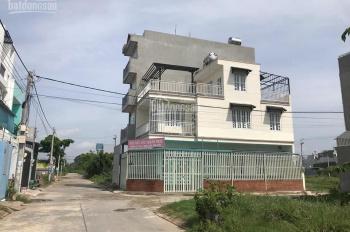 Nhà gì mà vừa rẻ vừa đẹp quá vậy, cần bán gấp căn nhà 3 lầu 2 mặt tiền ngay đường Long Phước, Q9