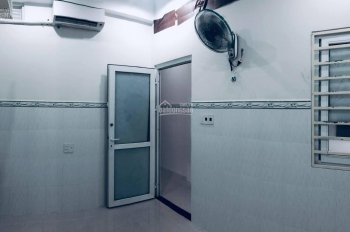 Phòng máy lạnh đường Quang Trung