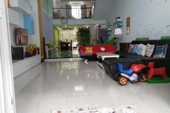 Nhà phố đẹp cho thuê để ở hoặc làm văn phòng + showroom 3,5 tầng, DTSD 300m2, LH 0908488338