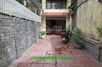 Cho thuê nhà phố Đặng Thai Mai, Tây Hồ, Hà Nội. Ô tô đỗ trong nhà, 4 phòng ngủ thoáng mát