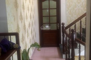 Cho thuê nhà mặt tiền CMT8, 3 lầu, 5 phòng ngủ, đầy đủ tiện nghi, 25tr/th, LH 0911.645.579